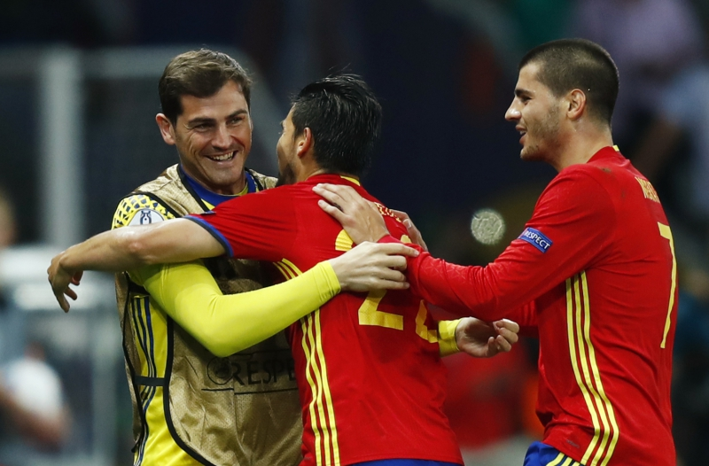 Football Soccer - Spain v Turkey - EURO 2016 - Group D - Stade de Nice, Nice, France - 17/6/16 Spain's Nolito celebrates with Alvaro Morata and Iker Casillas after scoring their second goal  REUTERS/Eddie Keogh Livepic