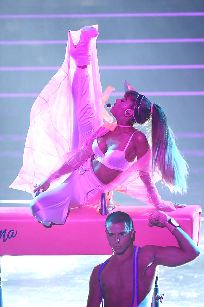 NEW YORK, NY - AUGUST 28: Ariana Grande performs onstage during the 2016 MTV Video Music Awards at Madison Square Garden on August 28, 2016 in New York City. (Photo by Michael Loccisano/Getty Images)