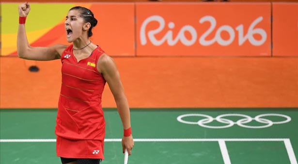 Spain s Carolina Marin reacts against South Korea s Sung Ji Hyun during their women s singles quarter-final badminton match at the Riocentro stadium in Rio de Janeiro on August 16  2016  at the Rio 2016 Olympic Games    AFP PHOTO   Jim WATSON